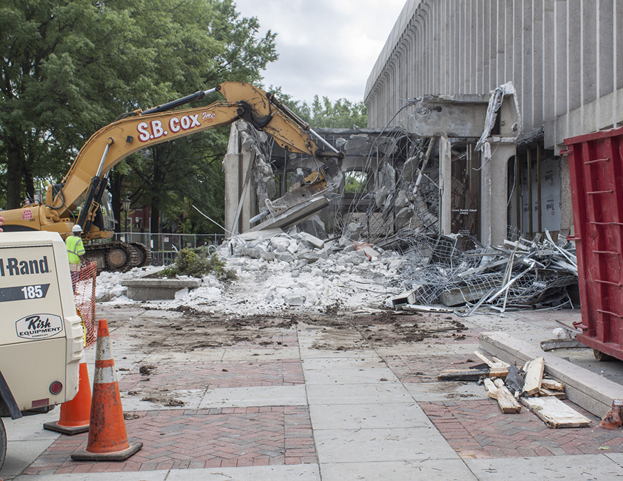 Demolition of atrium entrance May 2014 rsz.jpg