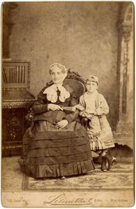 Amelia Harris Goodman with Edith Clark (Cowles). [Adèle Clark's grandmother and sister]